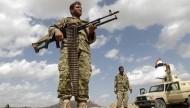 الجيش اليمني يواصل تقدمه باتجاه مدينة المخا بإسناد من قوات التحالف العربي