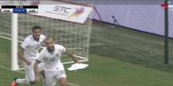 """في الوقت القاتل """"الأخضر"""" يخطف الفوز أمام الأبيض الإماراتي ويصعد للصدارة"""