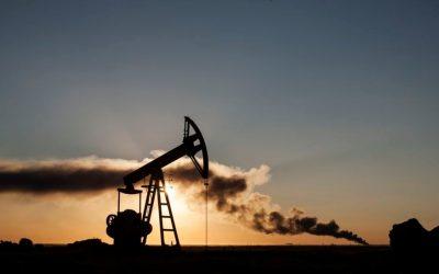 النفط يستقر بفعل تهديدات بشن هجمات في نيجيريا وانخفاض المخزونات الأمريكية