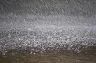 أمطار متفرقة على محافظة الطائف