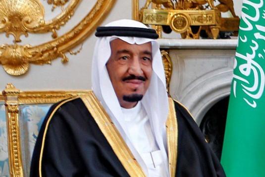 خادم الحرمين الشريفين يوجه بتقديم 500 ألف دولار لدعم مبادرة إنسانية من شباب المملكة