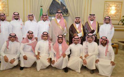 أمير منطقة حائل يستقبل المواطنين والمسئولين في اللقاء المفتوح