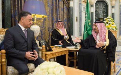 خادم الحرمين الشريفين يتسلم رسالة من رئيس جمهورية أذربيجان