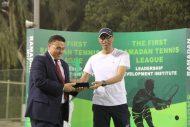 أحمد الصالح يتوج ببطولة دورة التنس الرمضانية الأولى للفردي .. وأبناء الربدي أبطال الزوجي