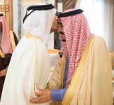 خادم الحرمين الشريفين يتسلم رسالة من أمير دولة قطر