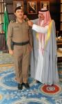 أمير الباحة يقلد الرائد الخثعمي رتبته الجديدة
