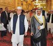 دولة رئيس وزراء باكستان يزور المسجد النبوي