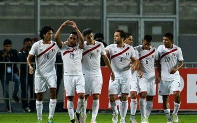 نجاة طائرة مشجعي منتخب بيرو في كأس العالم من كارثة