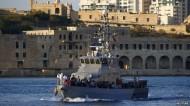 مصرع 500 مهاجر في غرق قارب للمهاجرين قبالة سواحل مالطا