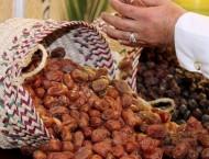 مهرجان الأحساء للتمور يشهد بيع ثلاث لوحات بـ 17 ألف ريال