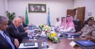 سمو وزير الدفاع يجتمع مع وزير الدفاع الباكستاني