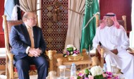 سمو ولي العهد يلتقي رئيس الوزراء الباكستاني