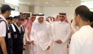 الأمير خالد الفيصل يشارك المدنيين والعسكريين طعام الإفطار في المسجد الحرام