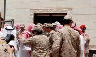 جموع المصلين تؤدي صلاة الميت على الشهيد الجندي عبيد الحربي بحفر الباطن