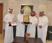 تعليم الطائف يعتمد الفائزين بجائزة التميز