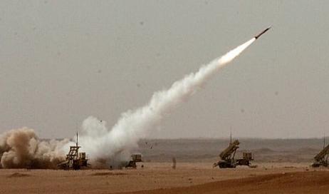 الدفاعات الجوية تعترض صاروخا باليستيا أطلقته مليشيات الحوثي باتجاه نجران