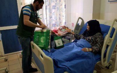 مركز الملك سلمان للإغاثة يوزع مساعدات على اللاجئات السوريات في بلدة كترمايا
