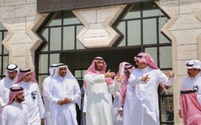 الأمير عبدالله بن بندر ينقل اجتماع مشروع تطوير نقاط الفرز على مداخل مكة إلى الميدان