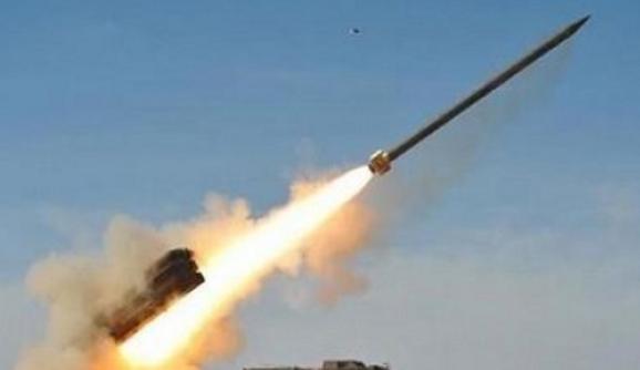 قوات الدفاع الجوي ترصد صاروخين باليستيين أطلقا باتجاه نجران