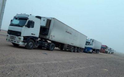 18 شاحنة إغاثية مقدمة من مركز الملك سلمان للإغاثة تعبر منفذ الوديعة تستهدف الحديدة
