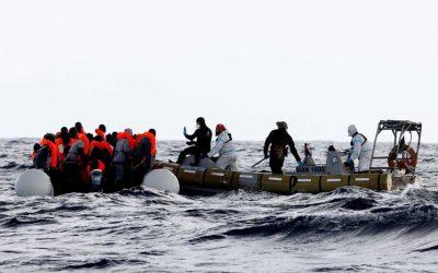 انقاذ 94 مهاجرًا قبالة سواحل ليبيا