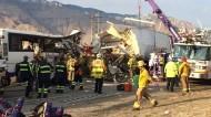 مقتل 13 شخصا وإصابة آخرين جراء تصادم حافلة ركاب وشاحنة في كاليفورنيا