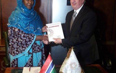 """""""الإسلامية لتمويل التجارة"""" توقع إتفاقية بمبلغ 210 ملايين دولار لدعم النمو الاقتصادي في غامبيا"""