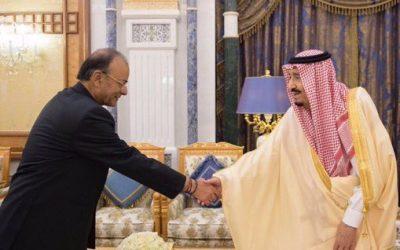 خادم الحرمين الشريفين يستقبل وزير المالية بجمهورية الهند