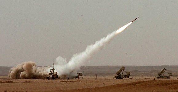 الدفاعات الجوية السعودية تعترض صاروخا باليستيا باتجاه نجران