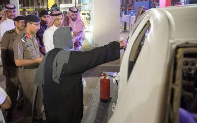 """مرور الرياض يدشن فعالية """"توكلي وانطلقي"""" لقيادة المرأة للسيارة"""