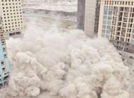 غبار الإزالة يلوث هواء المركزية ويعرقل حركة السير