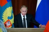بوتين يتهم الحلف الاطلسي بالسعي لاستدراج روسيا الى سباق التسلح