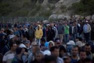 إسرائيل تعتزم زيادة تصاريح دخول العمال الفلسطينيين لتهدئة التوتر