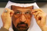 وزير الطاقة السعودي خالد الفالح يعدل من وضع نظارته خلال مؤتمر صحفي بعد إجتماع لأوبك في فيينا يوم 10 ديسمبر كانون الأول 2016. تصوير: هاينز بيتر-بادر - رويترز.
