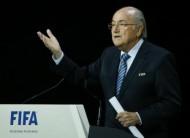 بلاتر يفوز بولاية خامسة في رئاسة الاتحاد الدولي لكرة القدم