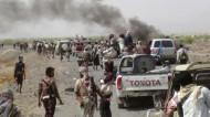 مقتل وإصابة 19 مدنياً وعسكرياً في خروقات جديدة من قبل الانقلابيين في تعز