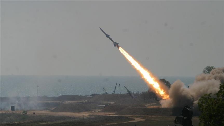 الدفاعات الجوية تعترض صاروخا باليستيا أطلقه الحوثيون باتجاه المملكة