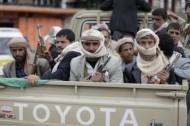 مسلحو القاعدة يقتلون 18 حوثيا مع اتساع الصراع الطائفي في اليمن
