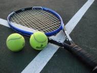 العبيدان يتأهل إلى دور الأربعة في عربية التنس