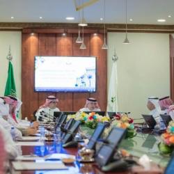 سمو ولي العهد يزور المعهد السعودي التقني للخطوط الحديدية ويلتقي الطلبة السعوديين