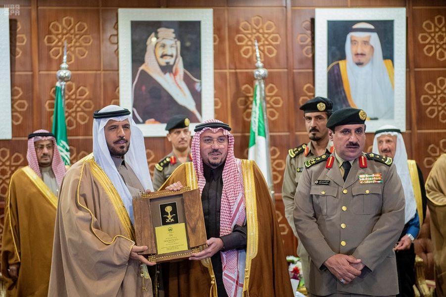 أمير القصيم يرعى تكريم متقاعدي شرطة المنطقة