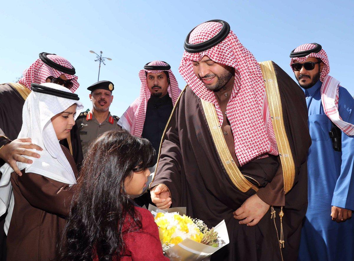 أمير الجوف يستقبل المواطنين والمسؤولين وشيوخ القبائل بالمنطقة