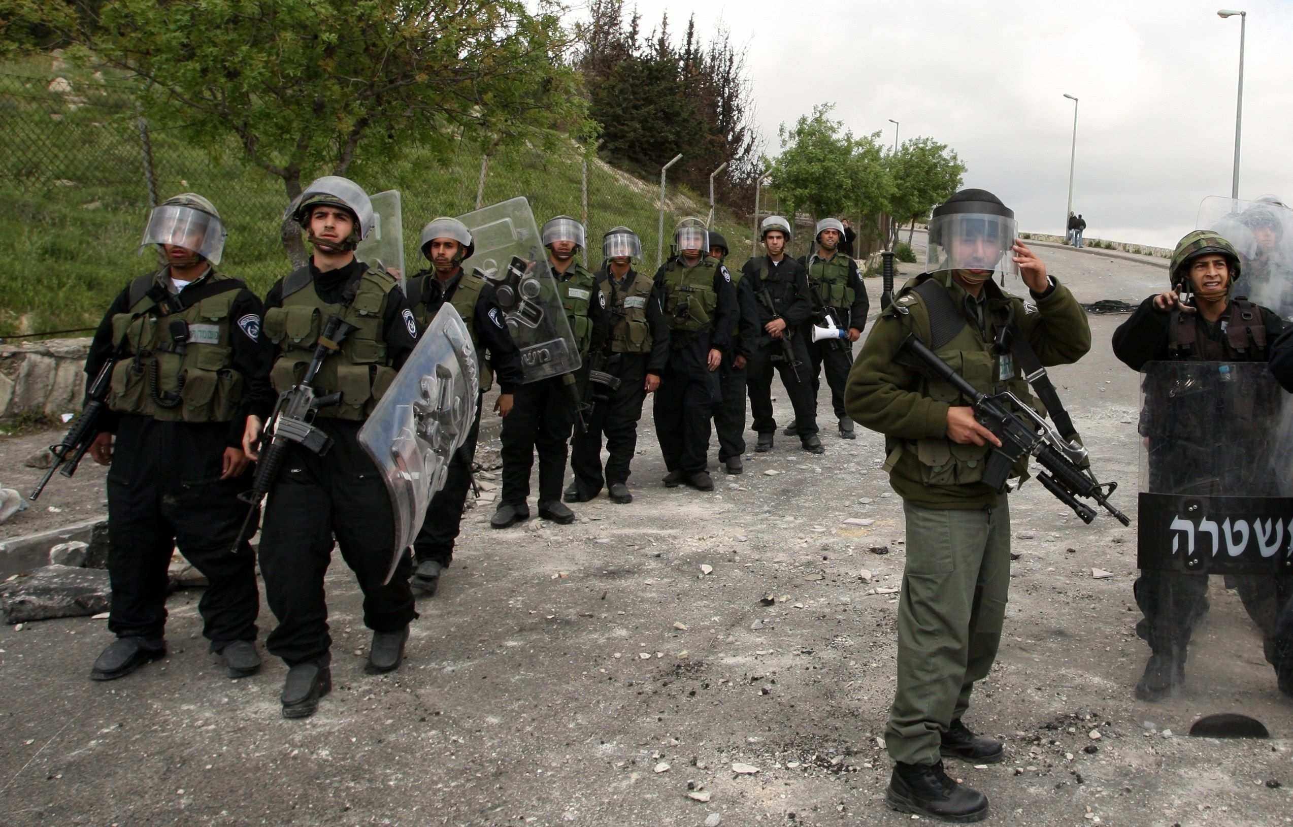 قوات الاحتلال تقتحم محافظة الخليل وتعتقل فلسطينيين