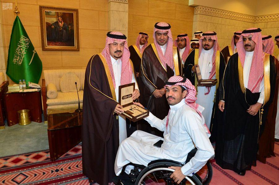 أمير الرياض يسلّم مفاتيح وحدات الإسكان التنموي لأكثر من 200 أسرة