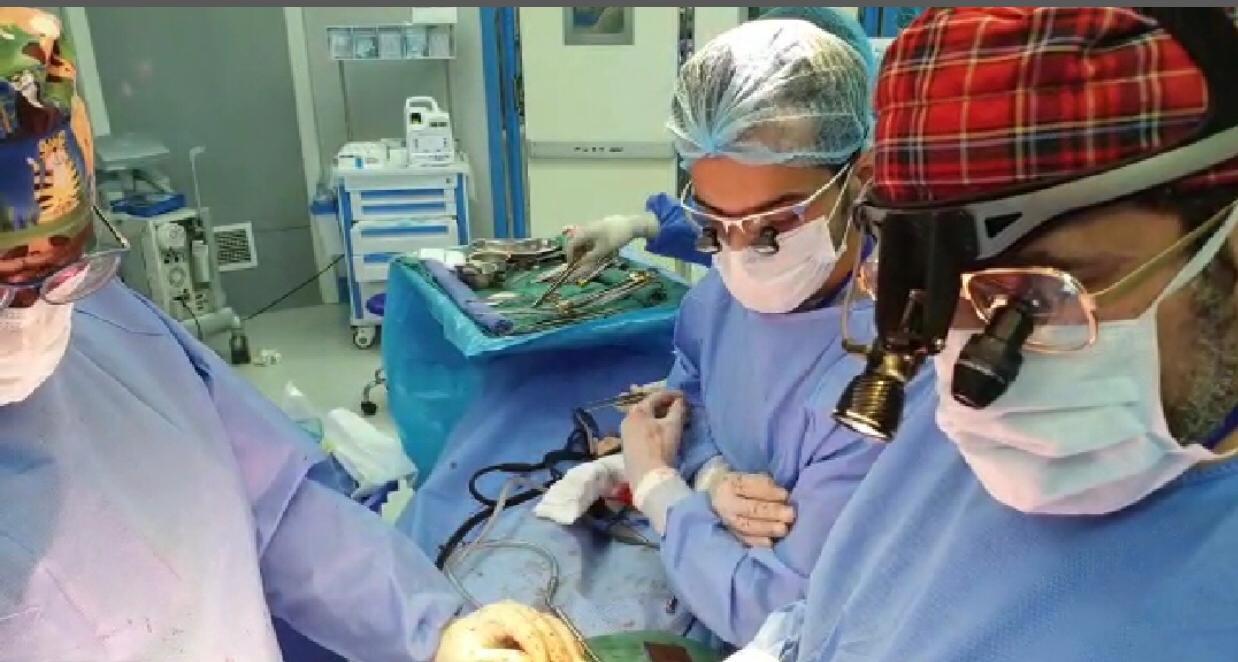 فريق طبي سعودي ينقذ حياة مريض يمني