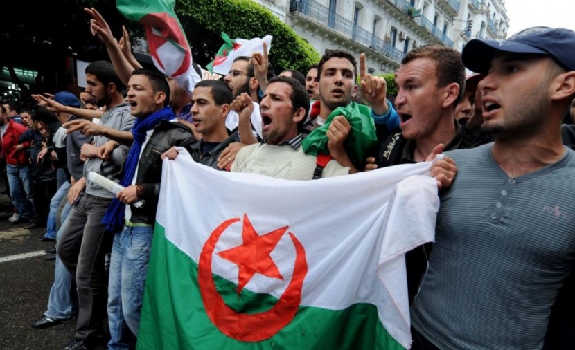 المعارضة الجزائرية تقترح إجراء انتخابات في فترة انتقالية