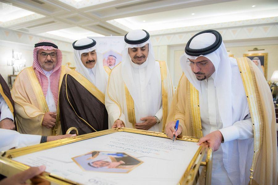 أمير القصيم يطلق مشروع توفير 384 عيادة مدرسية بمدارس المنطقة