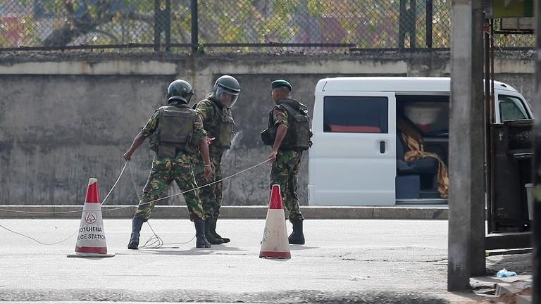 عاجل || الشرطة السريلانكية تحتجز مواطنا سوريا على خلفية الهجمات الانتحارية بكولومبو