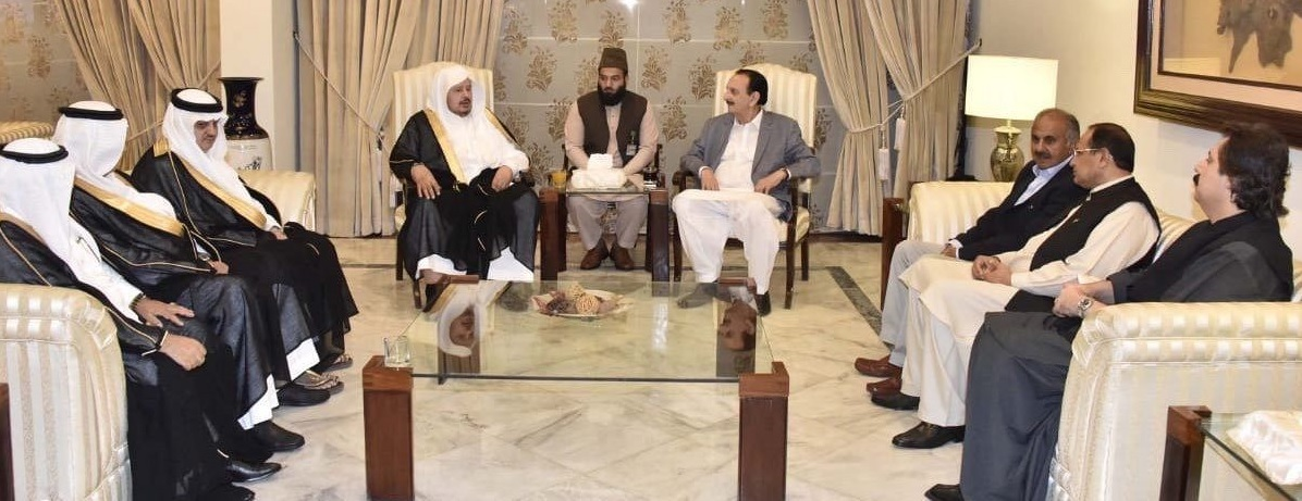 رئيس مجلس الشورى يصل إلى باكستان